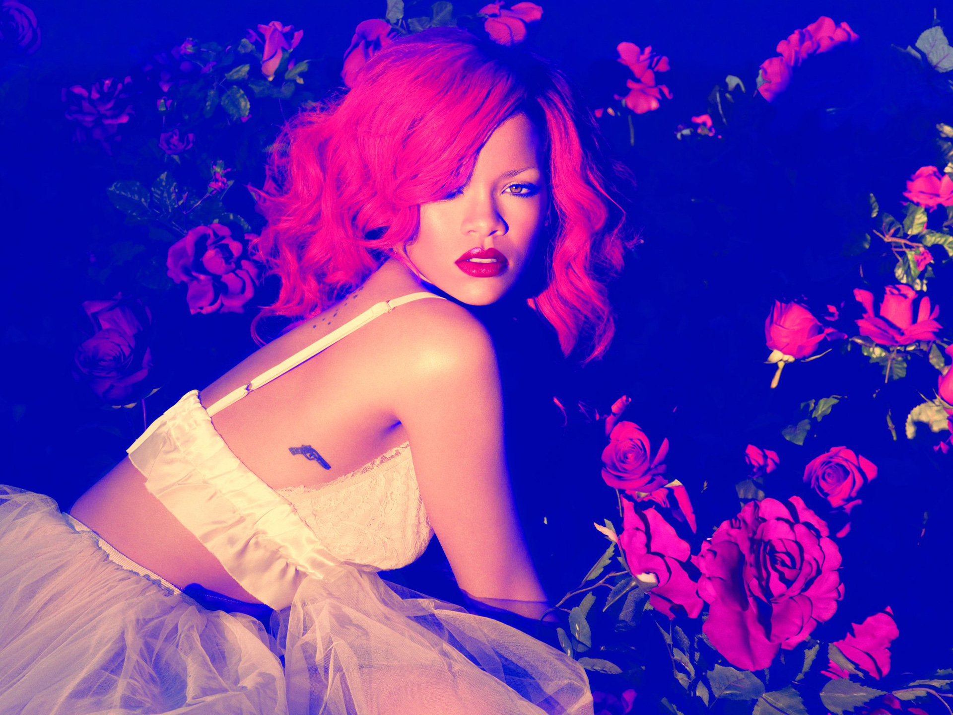 rihanna only one girl in the world скачать